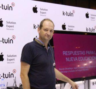 Ricardo Oficialdegui durante una ponencia en SIMO Educación 2015.